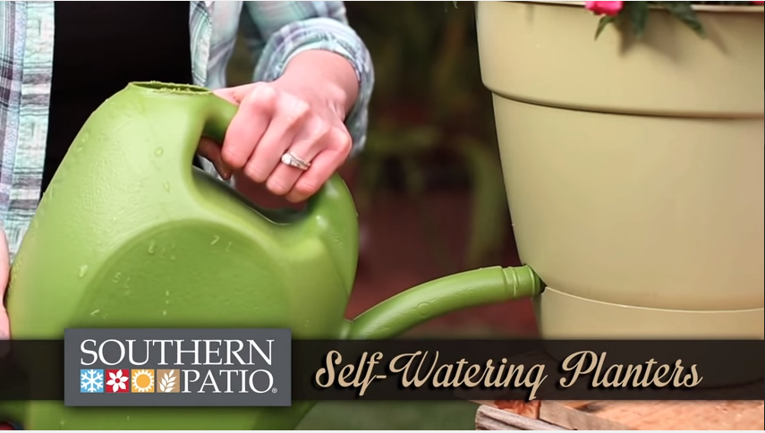 Self Watering Planters Are A Great Gardening Additional For The Avid Green  Thumb On The Go. The Special Features Of This Planter Keep Roots From  Sitting In ...
