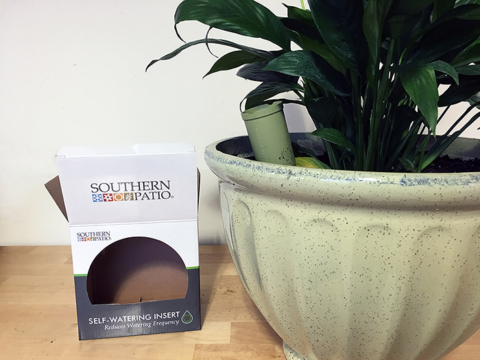 southern patio self-watering insert and caylo planter